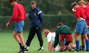 Arsene Wenger training