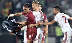 Serbia's  Nemanja Gudelj (L) scuffles wi