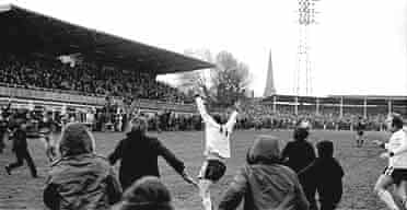 Hereford's Ronnie Radford celebrates his equaliser
