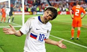 Arshavin celebrates