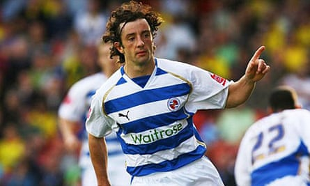 Stephen Hunt celebrates his second-half penalty