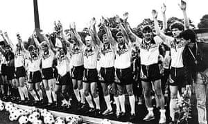 Dynamo Dresden celebrate winning the 1989 DDR-Oberliga title