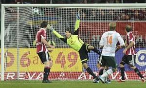 Aaron Hunt smashes home Werder Bremen's equaliser
