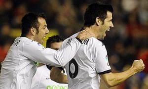 David Albelda, right, celebrates scoring against Osasuna with Carlos Marchena