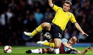 West Ham's Scott Parker tackles James Morrison