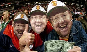 Arsenal fans mock Malcolm Glazer's takeover of Manchester United
