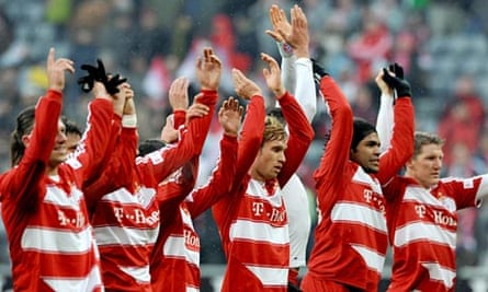 Bayern Munich's players celebrate beating Hannover at Allianz Arena