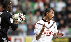 Marouane Chamakh of Bordeaux in action against Rennes