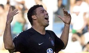 Corinthians forward Ronaldo celebrates after scoring against Santos