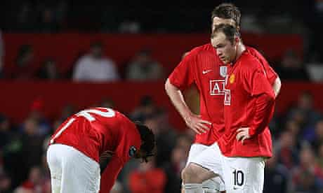 Dejected Manchester United players