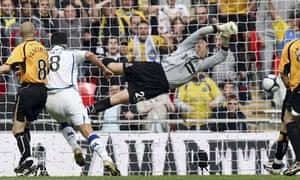 Cambridge United v Torquay, Sills goal