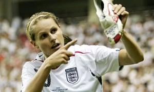 England's Kelly Smith celebrates