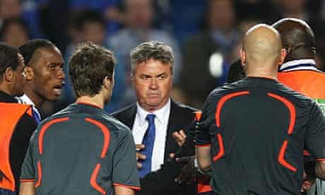 Guus Hiddink argues with the referee after Chelsea's defeat to Barcelona