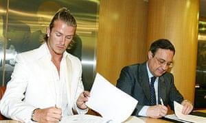 Florentino Perez signs David Beckham in 2003