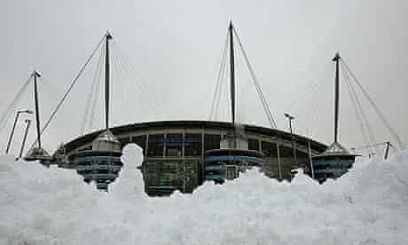 Heavy snow outside Eastlands