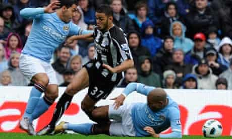 Nigel de Jong Hatem Ben Arfa tackle