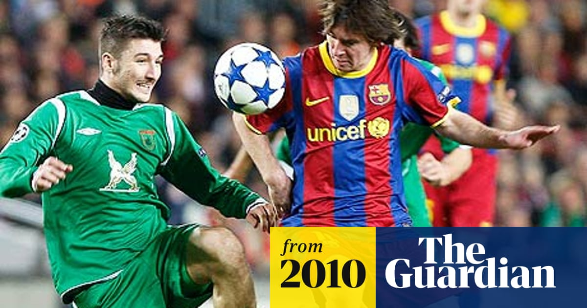 Barcelona Agree 150m Shirt Sponsor Deal With Qatar Foundation Barcelona The Guardian