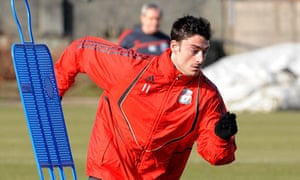 Albert Riera Wants To Leave Liverpool After Falling Out With
