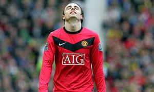 Dimitar Berbatov shows his frustration during Manchester United's defeat to Chelsea