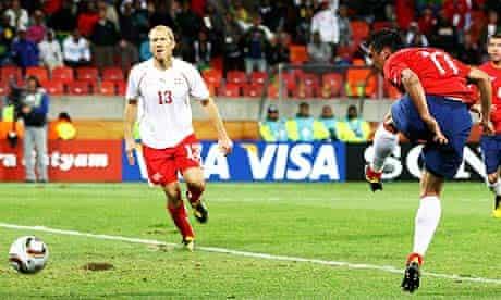 Mark González scores for Chile against Switzerland