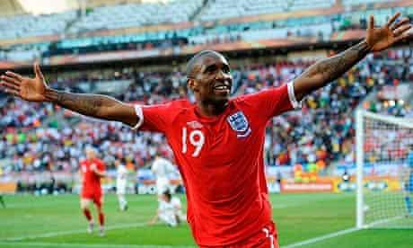 Jermain Defoe celebrates scoring for England v Slovenia