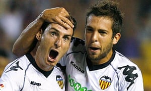 Valencia's Aritz Aduriz celebrates