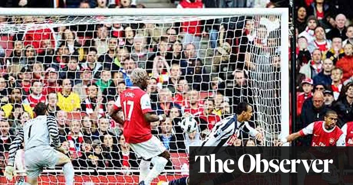 Jerome Thomas S Goal Decisive As West Brom Hold On To Shock Arsenal Premier League The Guardian