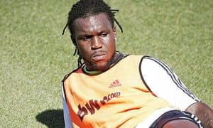 Royston Drenthe, who is on loan at Herculés from Real Madrid