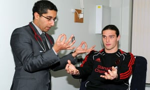 Andy Carroll undergoes his medical at Liverpool