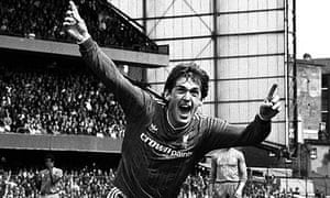 Kenny Dalglish celebrates the winning goal at Stamford Bridge in 1986