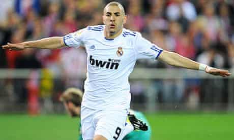 Karim Benzema celebrates his goal in the Madrid derby