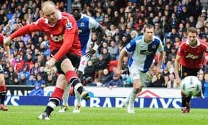 Wayne Rooney scores a penalty against Blackburn