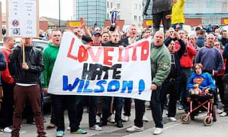 Sheffield United fans greet the apppintment of Danny Wilson, formerly of Wednesday, as manager