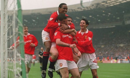 Eric Cantona scores in the 1994 FA Cup final