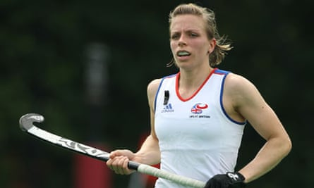 England captain Kate Walsh says football should take a leaf out of hockey's book