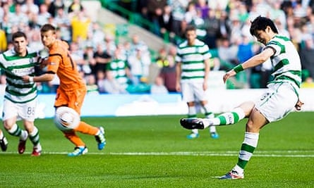 Celtic's Ki-Sung-yueng puts his side 1-0 up against Udinese in the Europa League with a penalty