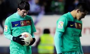 Barcelona slump to defeat at Osasuna