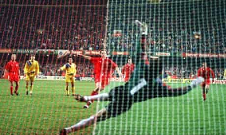 Paul Bodin misses that penalty.