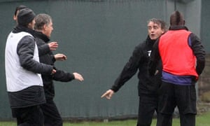 Roberto Mancini and Mario Balotelli clash