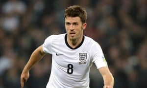 Michael Carrick ruled out until after Christmas for Manchester United