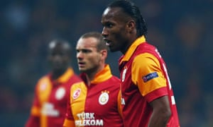 Didier Drogba and Wesley Sneijder of Galatasaray during the 1-1 draw with Schalke