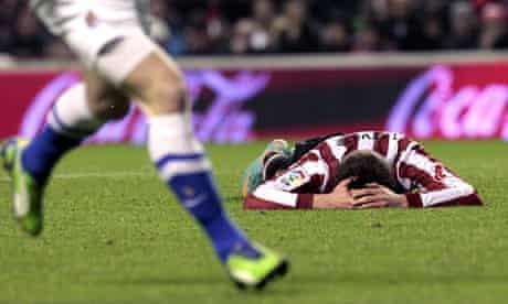 Athletic Bilbao defender Aymeric Laporte suffers as Sociedad score their third