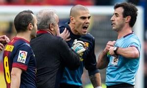 Barcelona goalkeeper Victor Valdes is sent off in Madrid