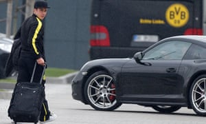Dortmund's Mario Gotze arrives for a training session ahead of the Champions League semi-final