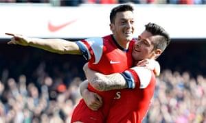 Arsenal's Olivier Giroud, right, and Mesut Özil