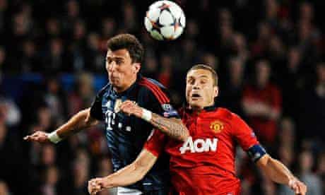 Bayern Munich's Mario Mandzukices