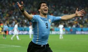 Luis Suárez celebrates his winning goal