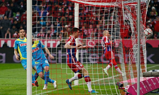 Arjen Robben keeps Bayern Munich on course with victory over Cologne