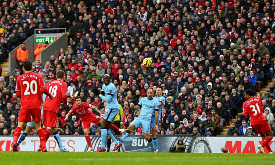 Philippe Coutinho scores against Manchester City