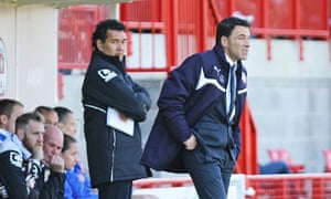 Crawley's manager, Dean Saunders, right, won the tactical battle with Ricardo Moniz of Notts County.